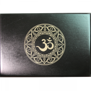 Hộp Gỗ Đen Mantra Đựng Bài Tarot