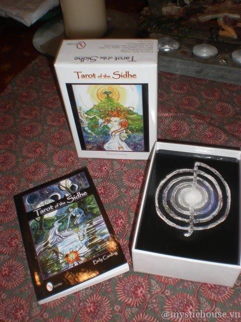 Tarot of the Sidhe - Sáng tạo dựa trên thế giới siêu thực