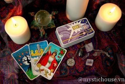 https://mystichouse.vn/wp-content/uploads/2013/02/bat-dau-tarot.jpg