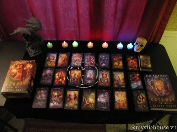 trải bài cảm nhận Legacy of the Divine Tarot