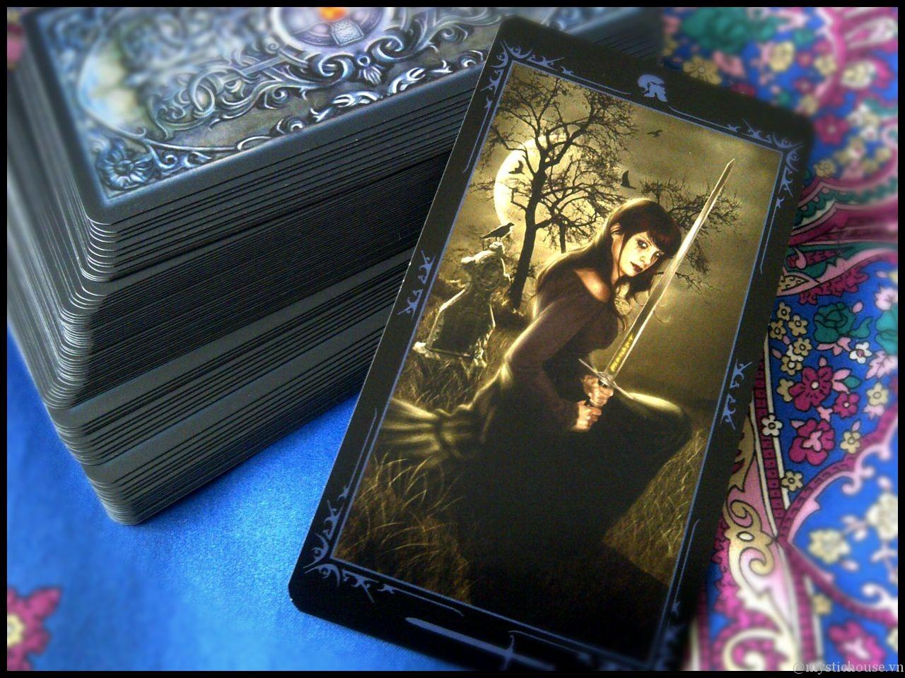 nhận xét bộ bài Dark Fairytale Tarot