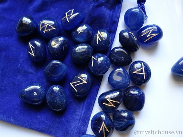 Blue Onyx Runes 1