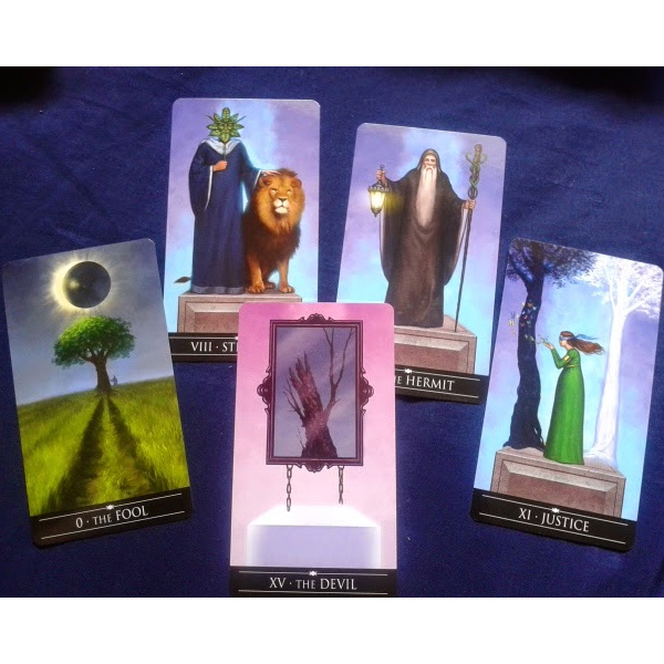 Silver Witchcraft Tarot 8