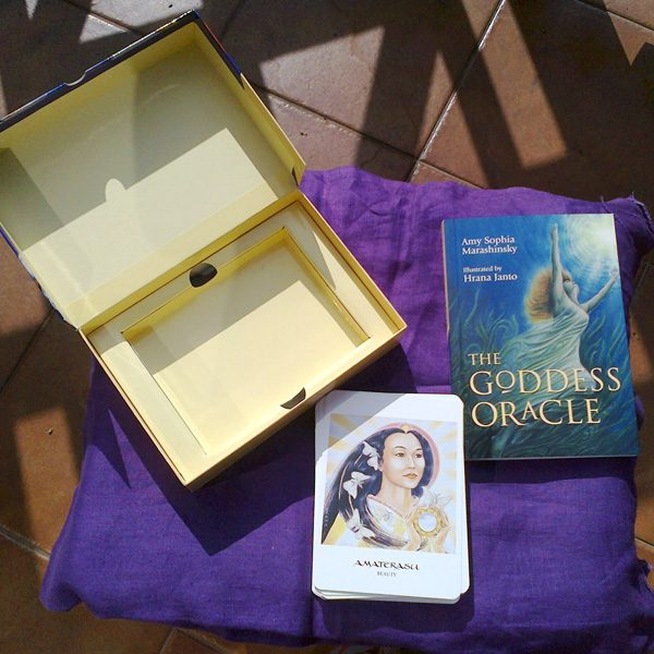 Goddess Oracle Deck & Book Set 9