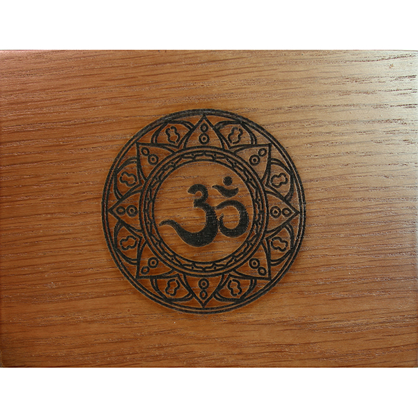 Hộp Gỗ Mantra Đựng Bài Tarot