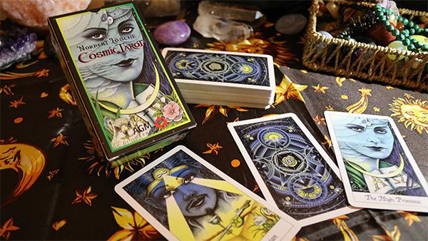 Cảm nhận về bộ bài Cosmic Tarot