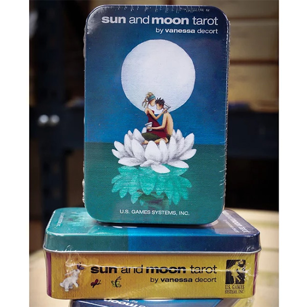 Sun and Moon Tarot – Tin Edition 9