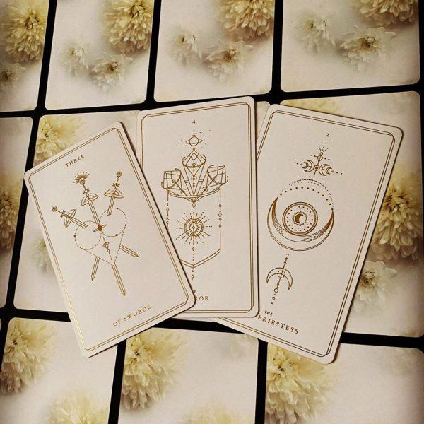 Soul Cards Tarot (White Dahlia) 11