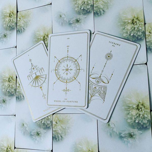 Soul Cards Tarot (White Dahlia) 8